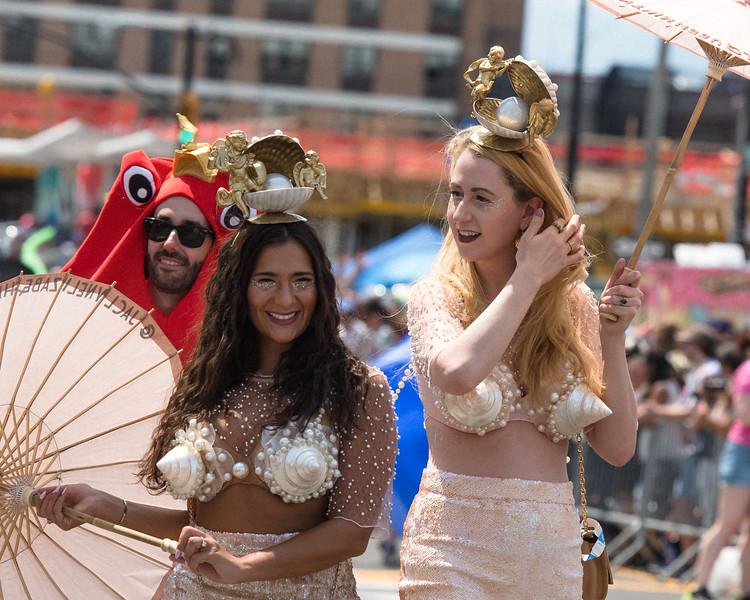 2019-06-22_Mermaid_Parade_2246.jpg