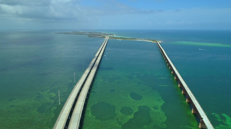 Aerial helicopter tour Florida Keys Overseas Highway