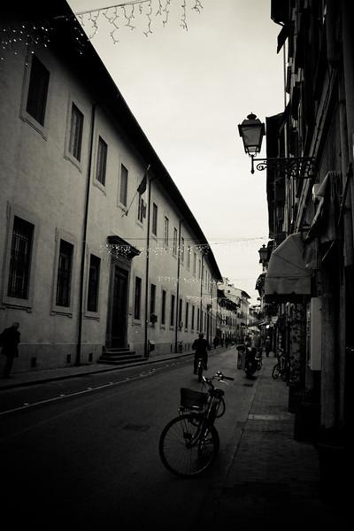 pisa street.jpg
