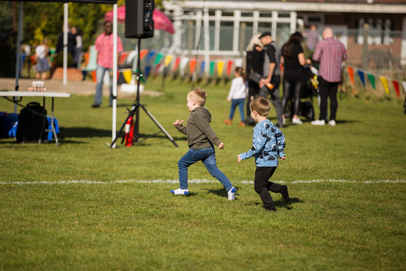 bensavellphotography_lloyds_clinical_homecare_family_fun_day_event_photography (191 of 405).jpg