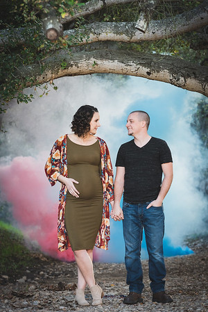 Travis & Bronte Maternity and Gender Reveal