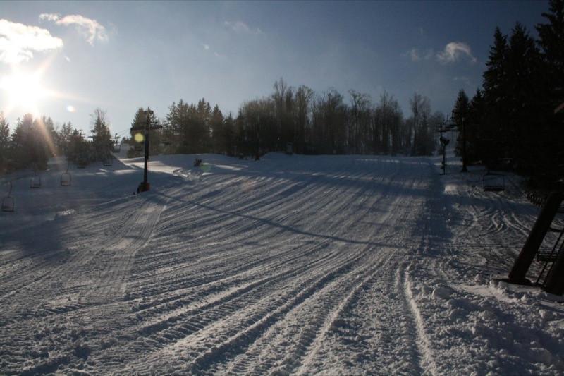 SnowTrailsOpeningDay12_11_09_006.jpg