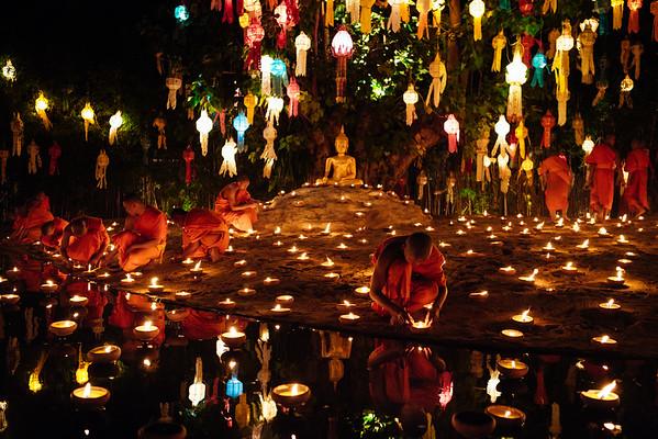 Loy Krathong @Wat Pahn Tao, Chiang Mai, Thailand, 2013