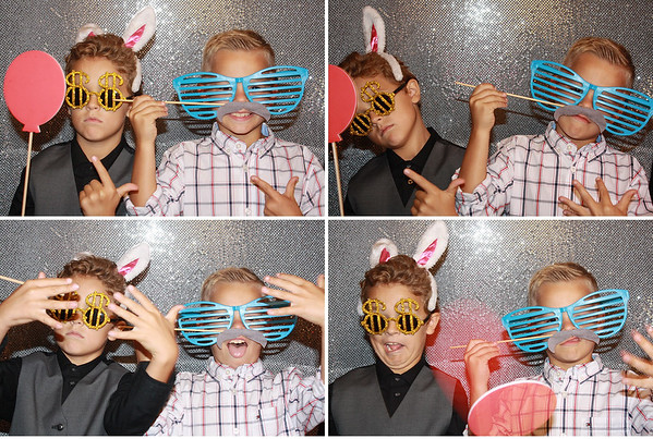 M&J Photo Booth