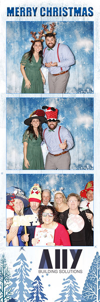 2018 ALLY CHRISTMAS PARTY BOOTH STRIPS_14.jpg