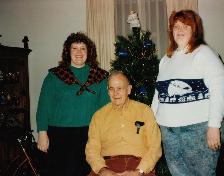 Samantha, Ellis & Joyce Sullivan - Xmas 1991.jpg