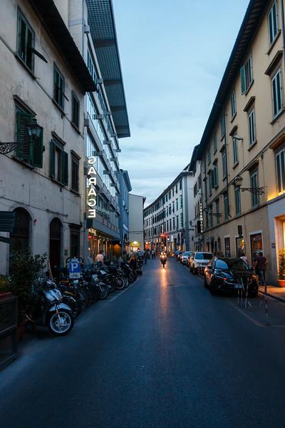 Italy-256.jpg