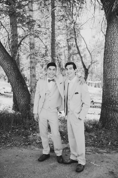 Gabe&Kallahbw-1141.jpg