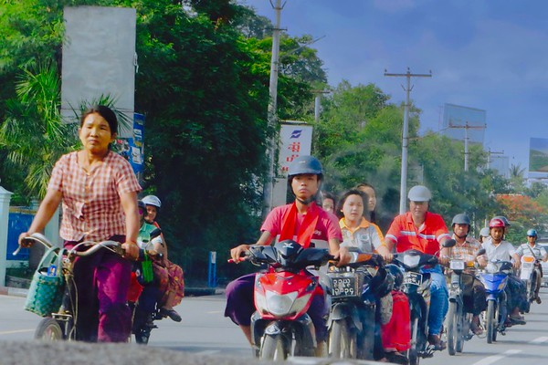 Mandalay Traffic with constant honking of horns
