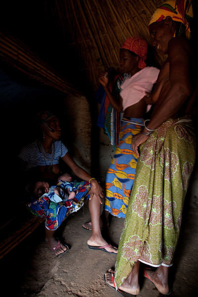 Benin, birth of twins