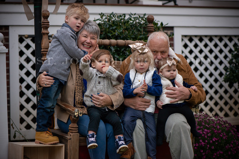 2019 November Ellis Family-272-124.jpg