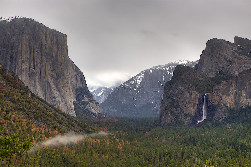 YOS-160217-0008b El Capitan and Bridalveil Fall