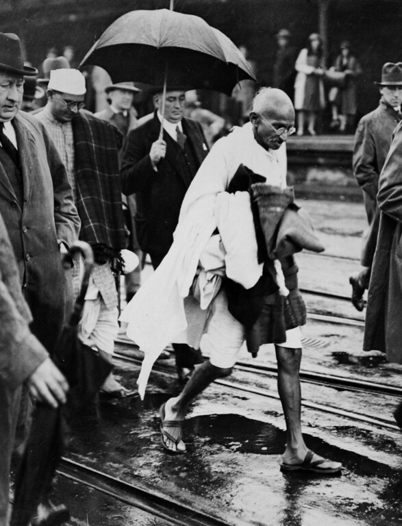 . Mahatma Gandhi after arriving in Folkstone, England en route to the Second Round Table Conference on Dominion Status for India (September - December 1931) in London. (AP Photo/James A. Mills)