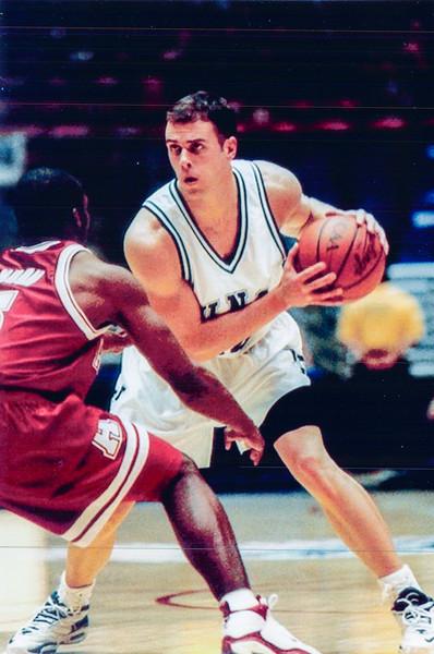 UNCW Basketball 99-00-13.jpg
