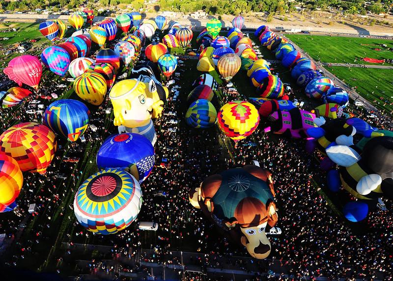 NEA_5704-7x5-Balloons-v1.jpg