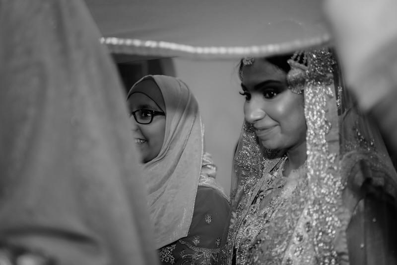 Miah under saris VII B&W.jpg