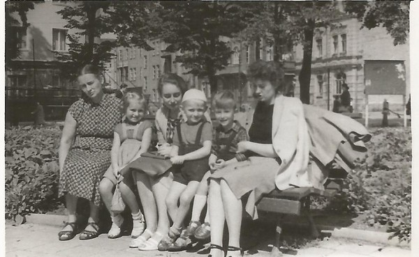 1957_00_00