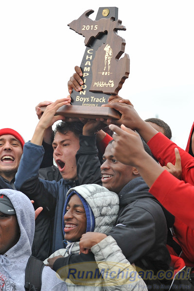 Featured - 2015 MHSAA LP T&F - Division Two