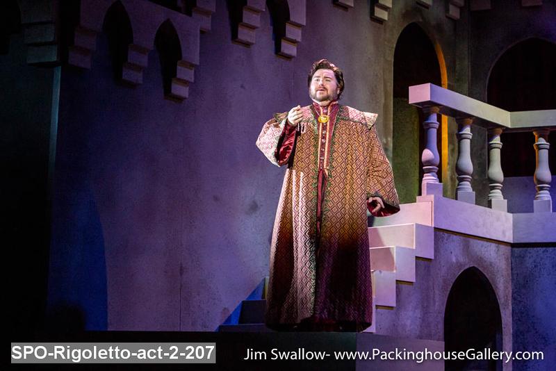SPO-Rigoletto-act-2-207.jpg