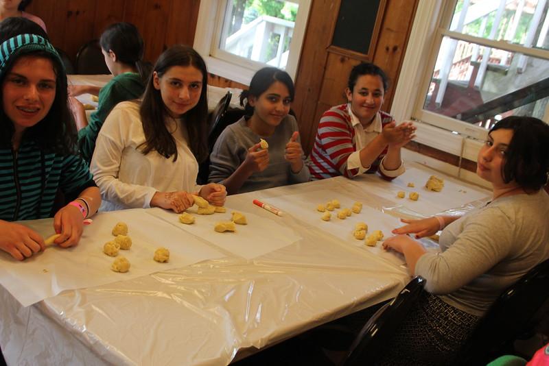 kars4kids_thezone_camp_girlsDivsion_activities_baking (29).JPG