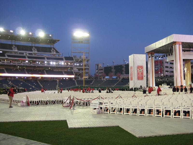 Pope Mass Nats Stadium 4-17-08 004.jpg