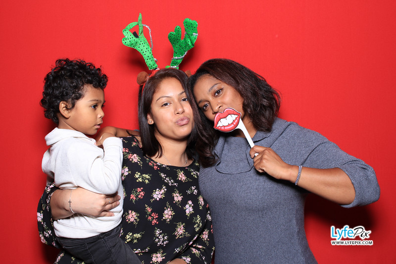 eastern-2018-holiday-party-sterling-virginia-photo-booth-1-100.jpg