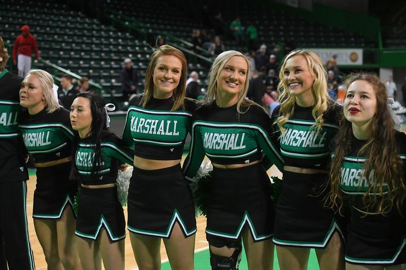 cheerleaders3465.jpg