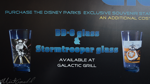 Disneyland Resort, Disneyland, Tomorrowland, Galactic Grill, Galatic, Grill, Terrace, Star, Wars, Star Wars, Cup