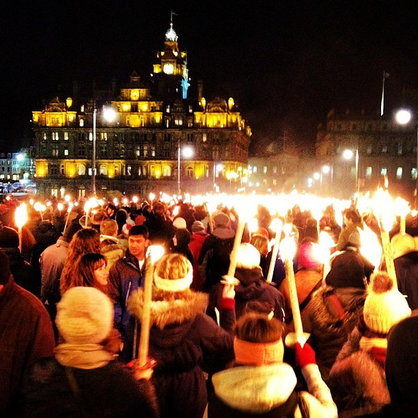A sea of lights, the #Hogmanay torchlight procession passes through old town #Edinburgh #blogmanay