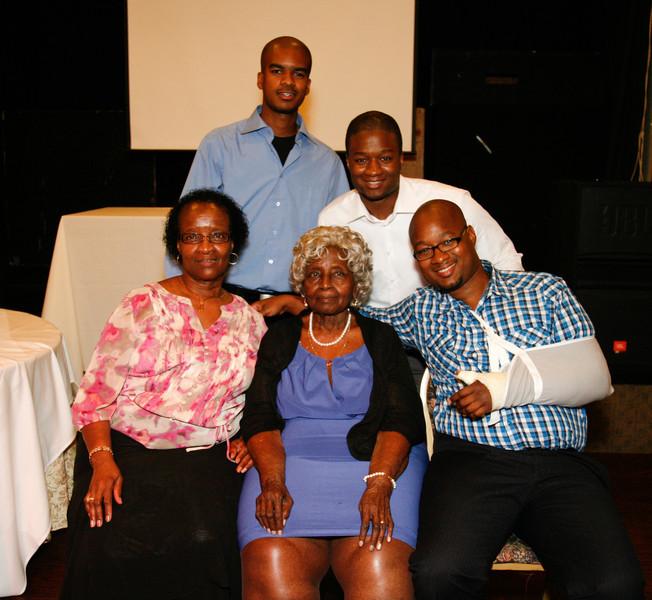 Edouard Family Reunion-3785.jpg