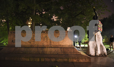 confederate-monuments-removed-overnight-in-baltimore