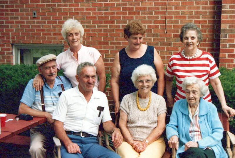 Cline, Vivian, Nelda, Guyla, Hector, Helen Nellie 1987.jpeg