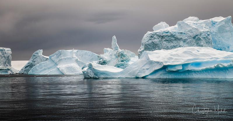 icebergs pleneau island_d3x_20130106_8273.jpg