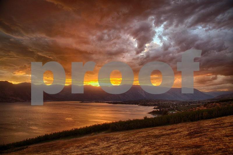 Lake Chelan sunset  0958_HDR.jpg