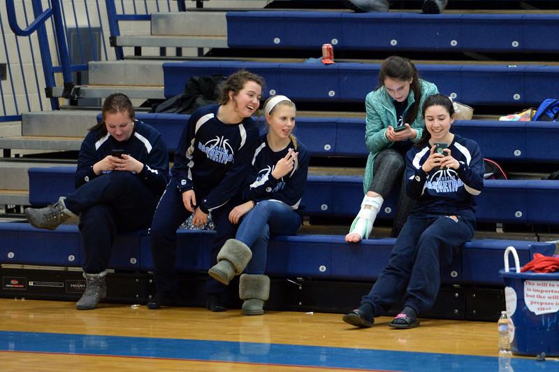 girls_basketball_8215.jpg