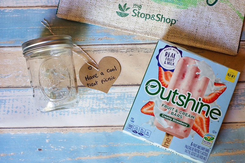 Make a Summer Bucket List Jar for the BEST summer ever - full of simple pleasures - like air-conditioned libraries, cool treats, and catching fireflies. #ad
