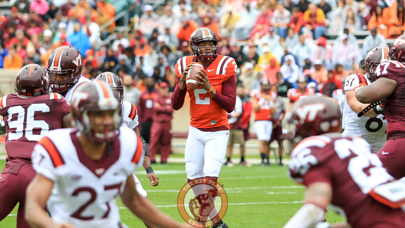 QB Herndon Hooker stands up tall in the pocket to look for an open throw. (Mark Umansky/TheKeyPlay.com)