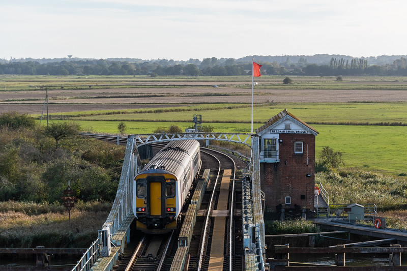 156402, Reedham Swing Bridge