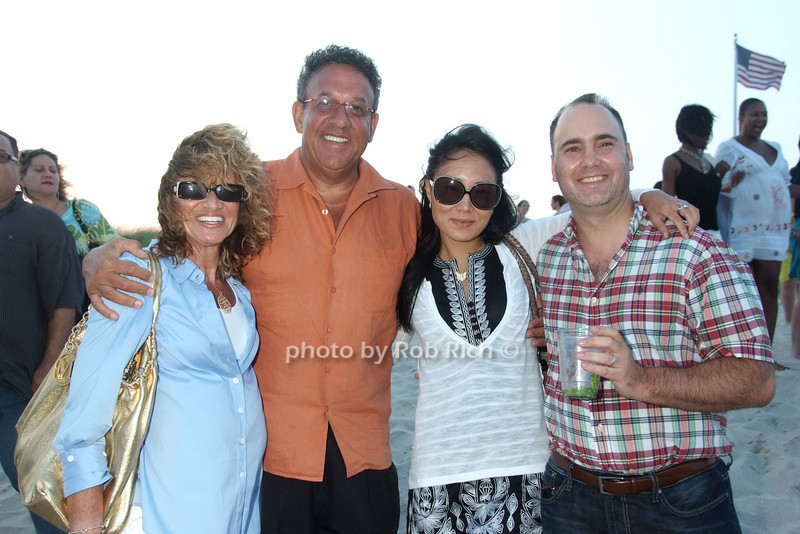 Ellen Saploff, Warren Saploff, Margaret Faye, Bob B. photo by Rob Rich © 2008 516-676-3939 robwayne1@aol.com