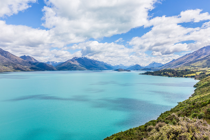 Really nice views of the lake and surrounding mountains on the road from Queenstown to Glenorchy.