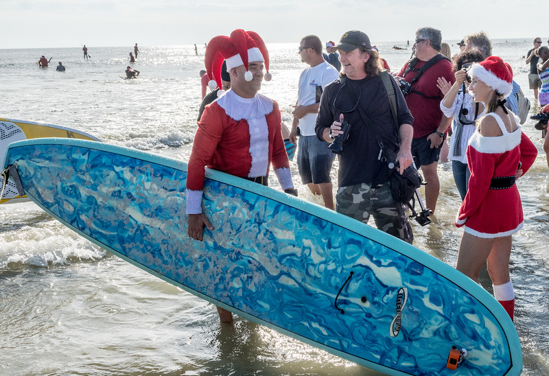2017 Surfing Santas (4 of 21).jpg