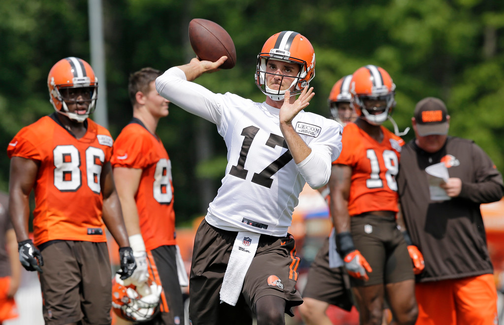 . Cleveland Browns quarterback Brock Osweiler passes during practice at the NFL football team\'s training camp facility, Thursday, July 27, 2017, in Berea, Ohio. (AP Photo/Tony Dejak)