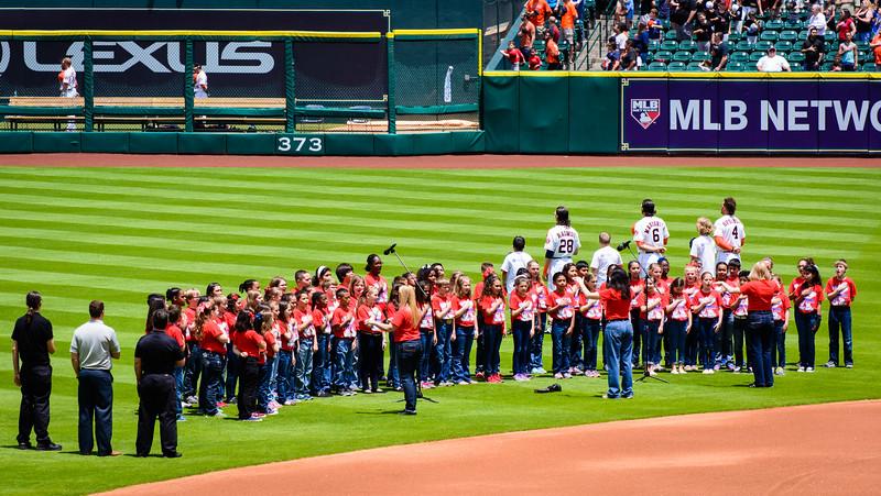 Astros Game Kreinhop sings anthem-6308.jpg