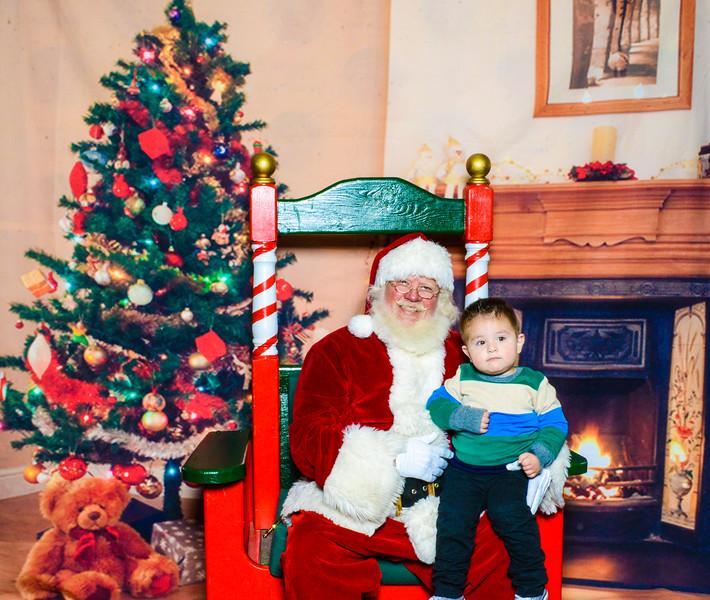 Santa Elmore 2016-12152.jpg