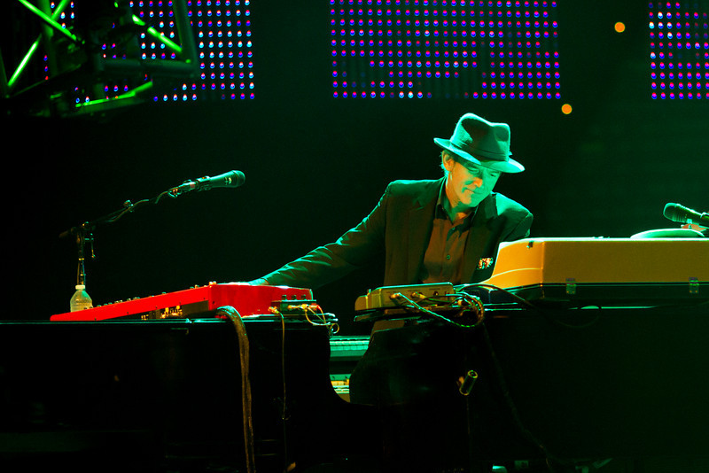 Benmont Tench (keyboard player extraordinaire) of Tom Petty & the Heartbreakers performing at St. Pete Times Forum, September 16, 2010