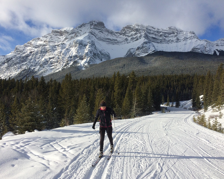 Cross Country Skiing in Cascade Valley