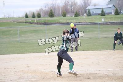 Holdingforf Softball