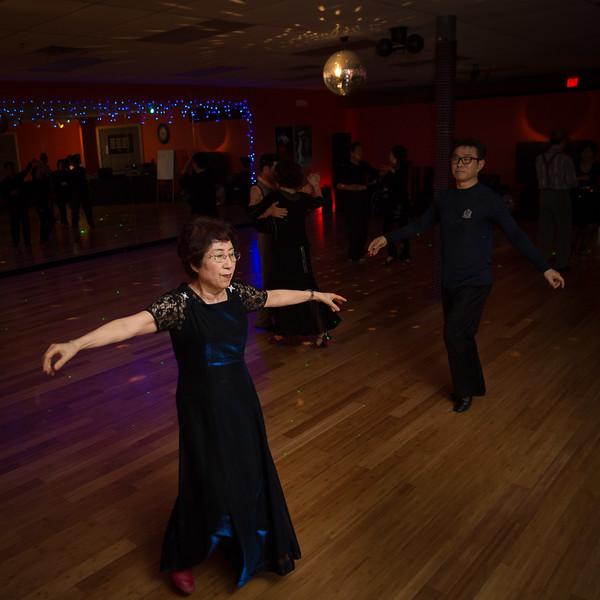 Moms Dance Class 2015-2081.jpg