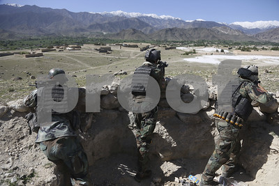 afghanistan-massive-us-bomb-kills-36-islamic-state-fighters