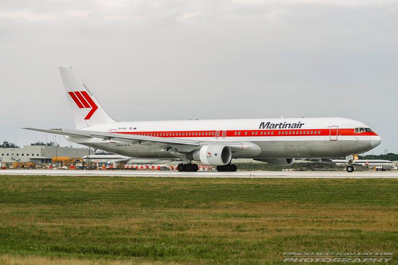 PH-MCM. Boeing 767-31A/ER. Martinair. Miami. 081202.